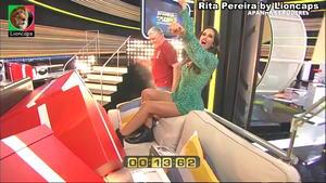 Rita Pereira sensual no programa Apanha se Puderes