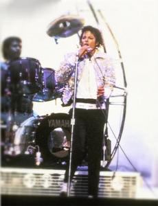 1984 VICTORY TOUR  Th_753957628_6884022426_a29f31a9cb_o_122_165lo