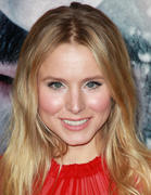 Kristen Bell at 'The Grey' world premiere in Los Angeles - January 11, 2012 (x41)