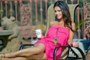 Дениз Милани, фото 5590. Denise Milani Sunbathing in pink :, foto 5590