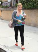 http://img294.imagevenue.com/loc402/th_709389955_Hilary_Duff_out_and_about_in_Studio_City77_122_402lo.jpg