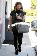 http://img294.imagevenue.com/loc460/th_835147386_Hilary_Duff_at_Pilates_Class10_122_460lo.JPG