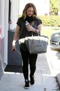 http://img294.imagevenue.com/loc460/th_835147386_Hilary_Duff_at_Pilates_Class10_122_460lo.JPG