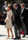 th_49120_celebrity_paradise.com_The_Duchess_of_Cambridge_Zara_wedding_044_122_495lo.jpg