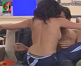 Leonor Seixas sensual na novela Vila Faia