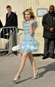http://img294.imagevenue.com/loc587/th_670432260_EmmaRoberts_ChanelReadytoWearAW2011_2012duringParisFashionWeekMarch82011_By_oTTo16_122_587lo.jpg