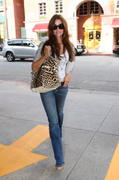 Denise Richards out in Beverly Hills 23-02-2011